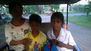 The students and their elder sister head to the hospital to operate on their glaucoma.